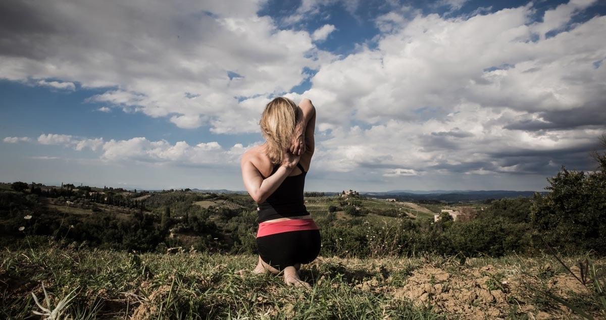 Sara-in-Italy--gomukkasana